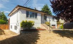 # Bath 2 Sq Ft 1847 # Bed 5 Long Weekend feature, If you are searching for a low maintenance yard with a Zen like back yard garden that is beautifully landscaped, Welcome Home! This south facing well cared for 5 bedroom , 2 bath Lake Hill home includes RV