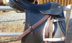 Passier Grand Gilbert Saddle 17.5 Medium width. Great condition. Stirrups and leather not included.