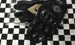 These gloves are perfect for riding any bike such as a scooter or e-bike. They have reinforced knuckles incase you wipe out. They are top quality and come in red blue or black. They help to keep your hands warm as well as providing safety. Come on down to
