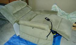power to recline, power lift up sage green in color like new condition