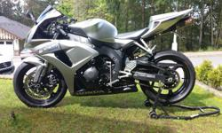 Really Nice 2007 Honda CBR1000RR 28,000 Original Km's, this bike has never been dropped, stunted or abused. Garage kept and well maintained by an experienced mature owner. Battery, Front Brakes an Stator Plate have recently been replaced. Some minor