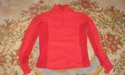 Excellent shape, small, good zipper. 2 pockets on front.