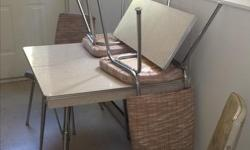 Retro metal dining table with one leaf and 4 chairs. Must pick up Sept 17 or 18th 10am - 2pm only