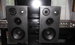 Up for sale a nice set of German RFT- B150 4 WAYS Speakers are 30lbs each , Drivers are all in Excellent shape Cabinets are in good condition just some nicks of paint and scratches