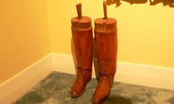 Leather size 10 complete with wooden forms