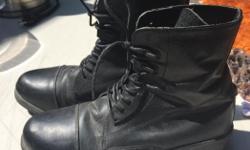 Size 7 women's Aüken riding boots