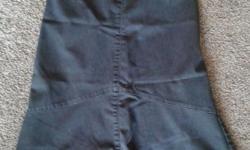 RW&CO skirt, grey colour. Size 3. 72% cotton, 26% polyester, 2% spandex.