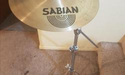 When you need a sound that cuts through your axe-player's stuck in the treble-toned solo, enter SabAx Stage Crash-16. With its quick and nimble sound, you can get in and out like a getaway driver in some Tarantino-esk alternative reality where everyone