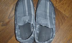 Sanuks,size 8,grey with white stripes,great shape,barely worn
