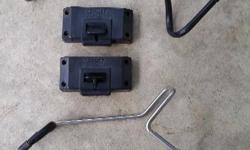 A pair Trigger mount rod holders. Good shape.