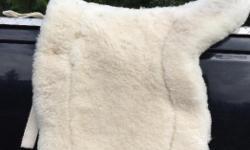 Beautiful sheepskin saddle pad .. 100.00