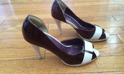 Lovely purple and white heels, in excellent condition.