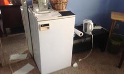 Off white Fridge ideal for student / guest room or beer storage