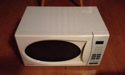 Great little countertop microwave it is ether a 1.1 cu ft (1000 watts) model SBMW1109W or .7 cu ft (700 watts) model SBMW759W $40 FIRM available new at Home Hardware for 125 - 167 plus taxes