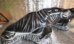 2 Walrus soapstone carvings Aardik collection excellent shape