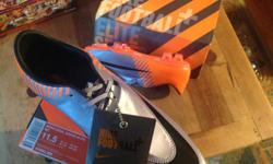 New Nike soccer cleats size 11.1/2 US