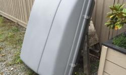 Hard plastic clamshell for roof rack