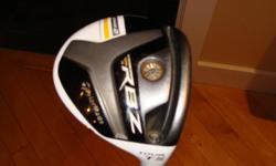 Taylormade RBZ mens rt hand 3 wood, adjustable loft. Tour TS 13 degrees adjustable up to 14.5 degrees or down to 11.5 degrees. Matrix Rocketfuel 70g stiff shaft. Very good condition.