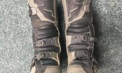 THOR QUADRANT youth size 4 boots. All buckles work and they are in very good condition still. New cost is $150. I can bring them to my work in Langford most weekdays if getting to Shawnigan Lake is a problem $80 or trade for equal condition in a size 6.