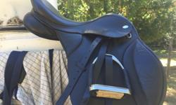 $900 obo Bought this saddle one year ago, for about $1200, including all parts, and it just doent fit ME.... I bought it for the inter-changeable gullet system for my young horse who kept changing shape as he grew... Leather seat, cantle, knee