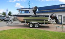 This 2017 THUNDERJET 24? PILOTcomes powered by a Suzuki DF300APX and packaged with an EZ Loader Trailer. Factory options include: *Washdown System w/Hose Receptacle *V-Berth *LED Flood Lights *Bed Rails *Net Holders *Starboard Transom Door *Aluminum