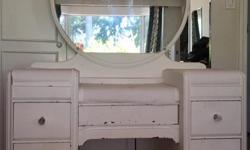 5 drawer, beautiful antique solid wood vanity. Perfect project piece to refinish. Includes faux crystal knobs.