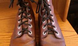 Brown Leather/Vibram Sole/Mens Size 7D/Womens Size 9/never worn they were too big & just came out of storage