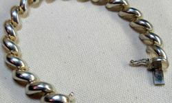 """VINTAGE STERLING SILVER BRACELET IS STAMPED  """"925  ITALY  ATI"""",  7 1/4 end to end in length and 10 mm in width. WEIGHT - 23 G It's very comfortable and has a good secure clasp with safety catch and  in great condition Welcome to my listing -"""
