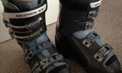 Like new! Ladies Salomon Ski Boots, size 275mm (23-23.5). Ladies size 7 / 7.5.