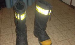 Excellent condition, only worn once. They're worth $300 and asking $125.00 or best offer. Size 7 men's rig boots. T-max insulated, rated for -100 celsius, fiberglass toe, propac grip