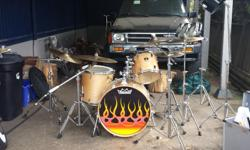 5 piece Yamaha drums with carrying cases pearl pro hard ware 2 crash symbols paste and Sabian also 3 splash symbols roto Tom's and Timbally set! Including Double kick pedal and drum mike full set with travel case! Drum set has been used in the v lounge