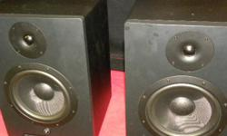 Yorkville YSM 8 studio reference monitors, item #147292-1. Bi-amp power, with 8-inch woofers and 1 inch soft dome tweeters, also a combination 1/4 inch or XLR input jack. Original packaging included. Price of $445 includes all taxes. PLEASE REFER TO